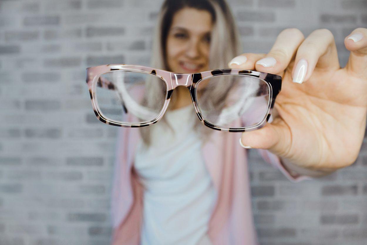 Afbeelding van Brillenglazen schoonmaken: do's en don'ts