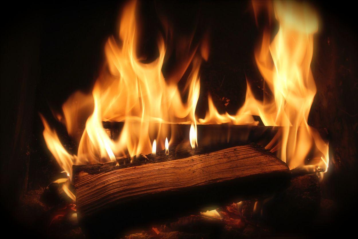 Afbeelding van RIVM: stook geen hout bij ongunstige weeromstandigheden