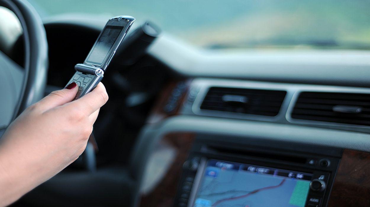 Afbeelding van Enquête: smartphonegebruik tijdens het autorijden