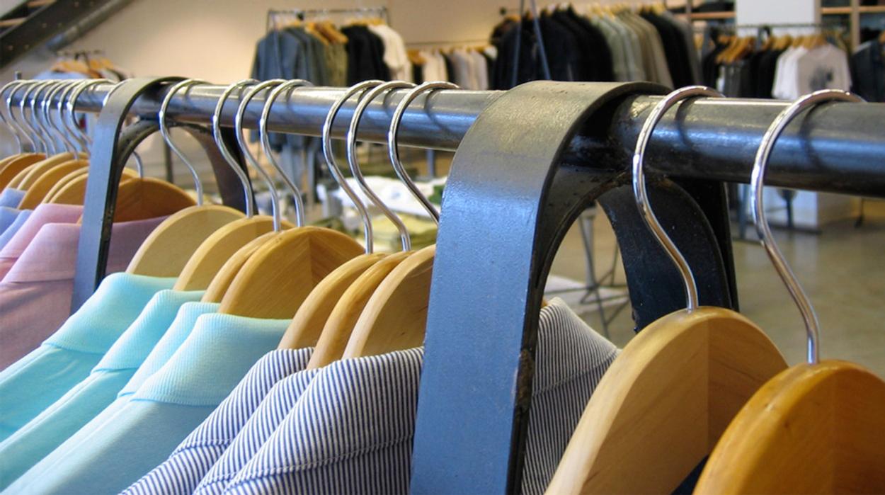 Afbeelding van Nederlandse kleding uit 'foute' fabrieken