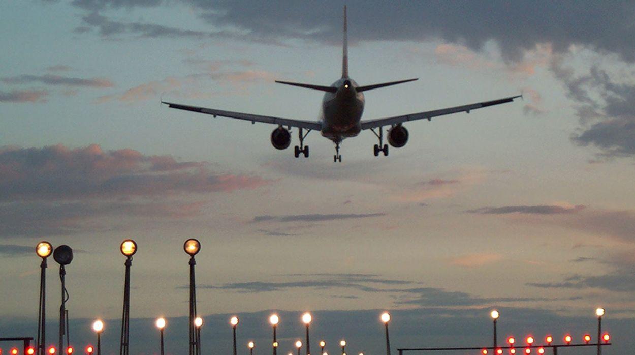 Afbeelding van Advies: maak vliegen duurder
