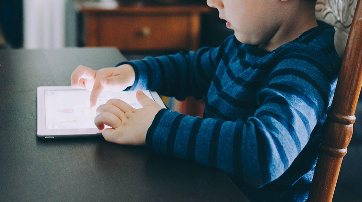 Afbeelding van Opvoedingslessen van jonge ouders: Technologie
