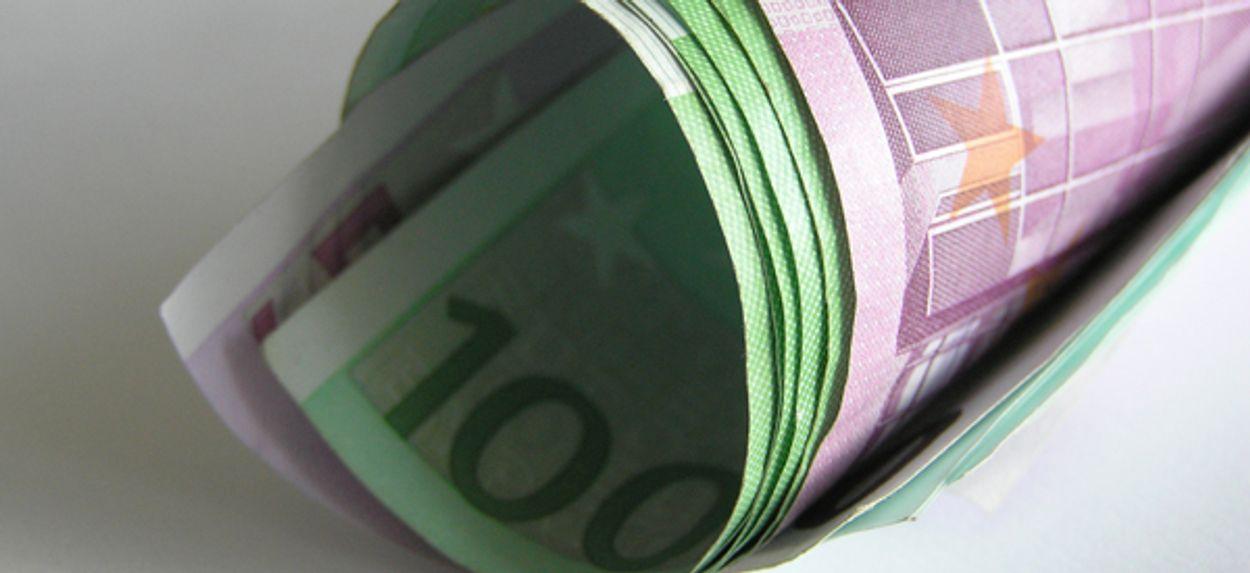Afbeelding van Fiscus alert op rijken met 'geldkoffer'