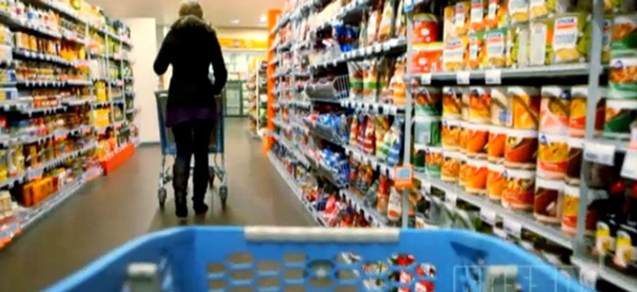 Afbeelding van Klant profiteert van prijzenoorlog supermarkten