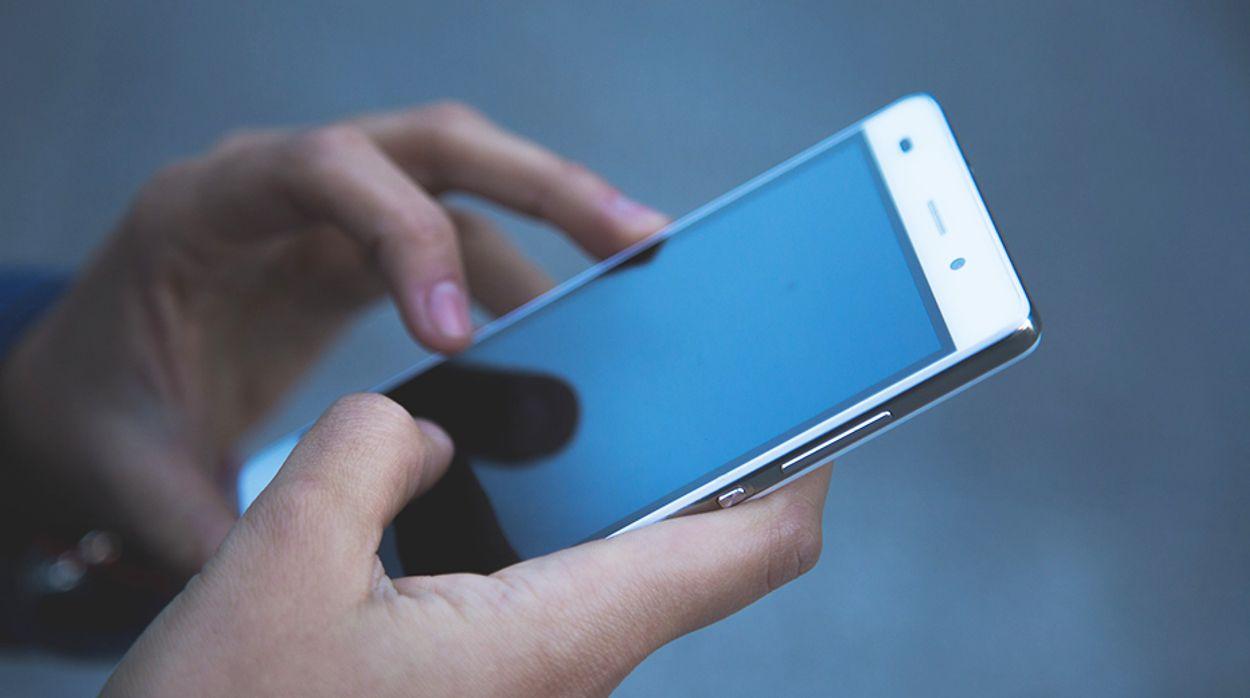 Afbeelding van 'Smartphones makkelijk met pasfoto's te ontgrendelen'