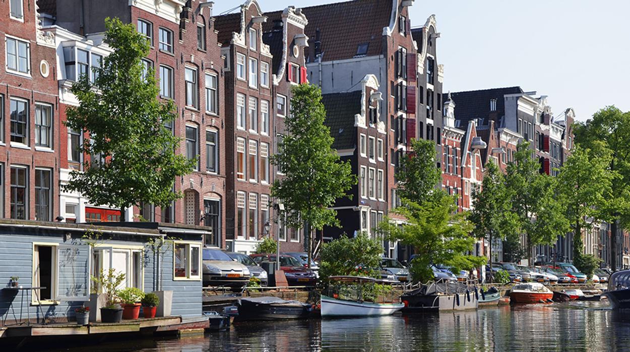 Afbeelding van 'Woonbeleid Amsterdam lost tekort niet op'