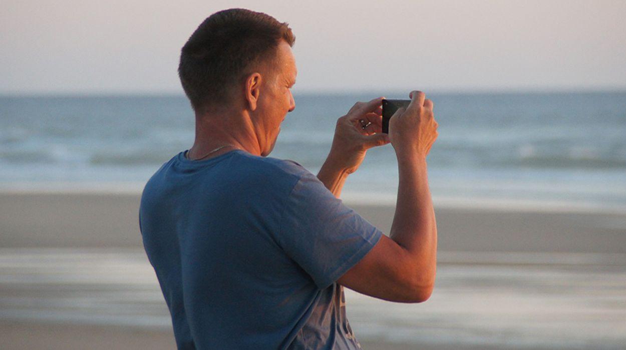 Afbeelding van 'Vakantiegeld gaat op aan vakantie en sparen'