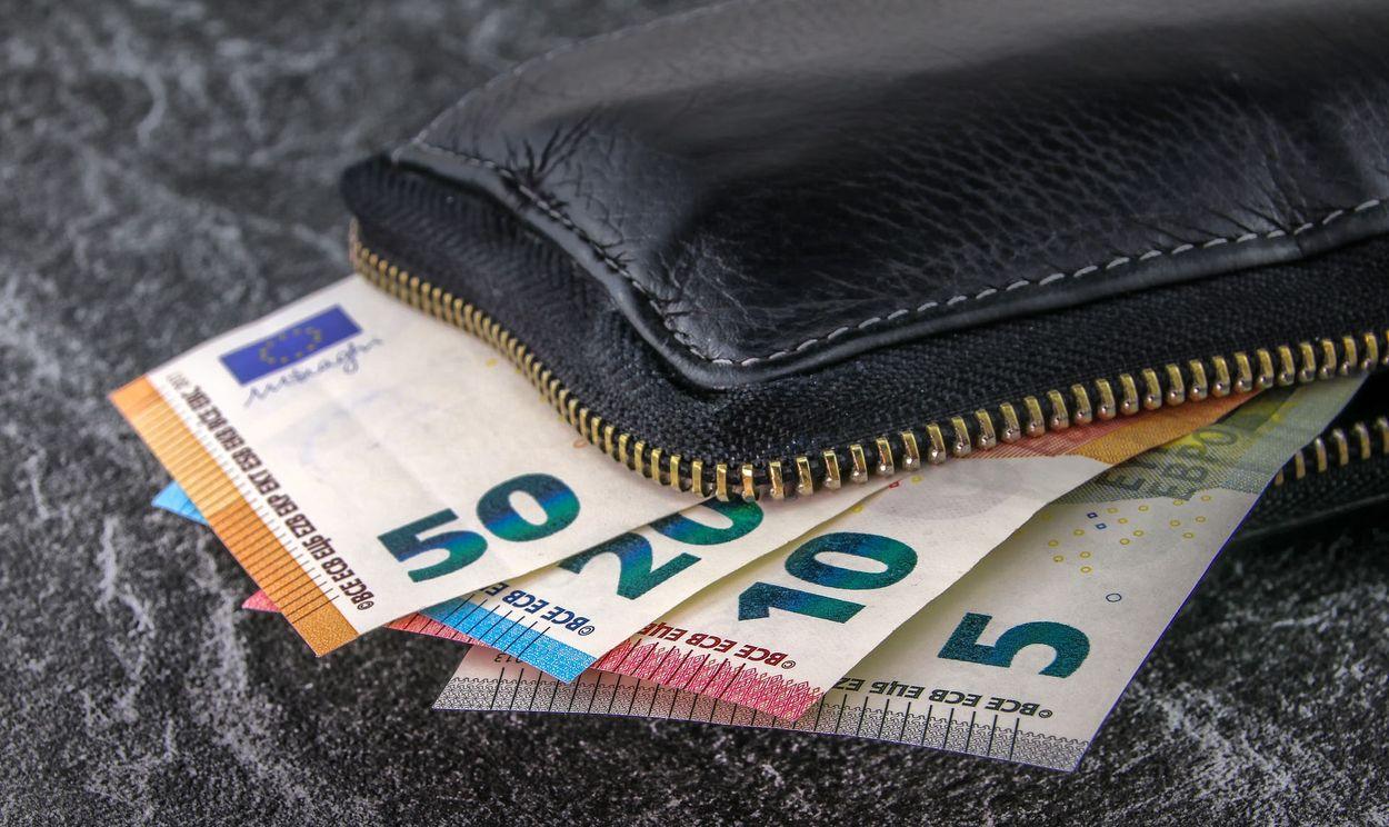 Afbeelding van 'Nederlanders sparen alvast voor na coronacrisis'