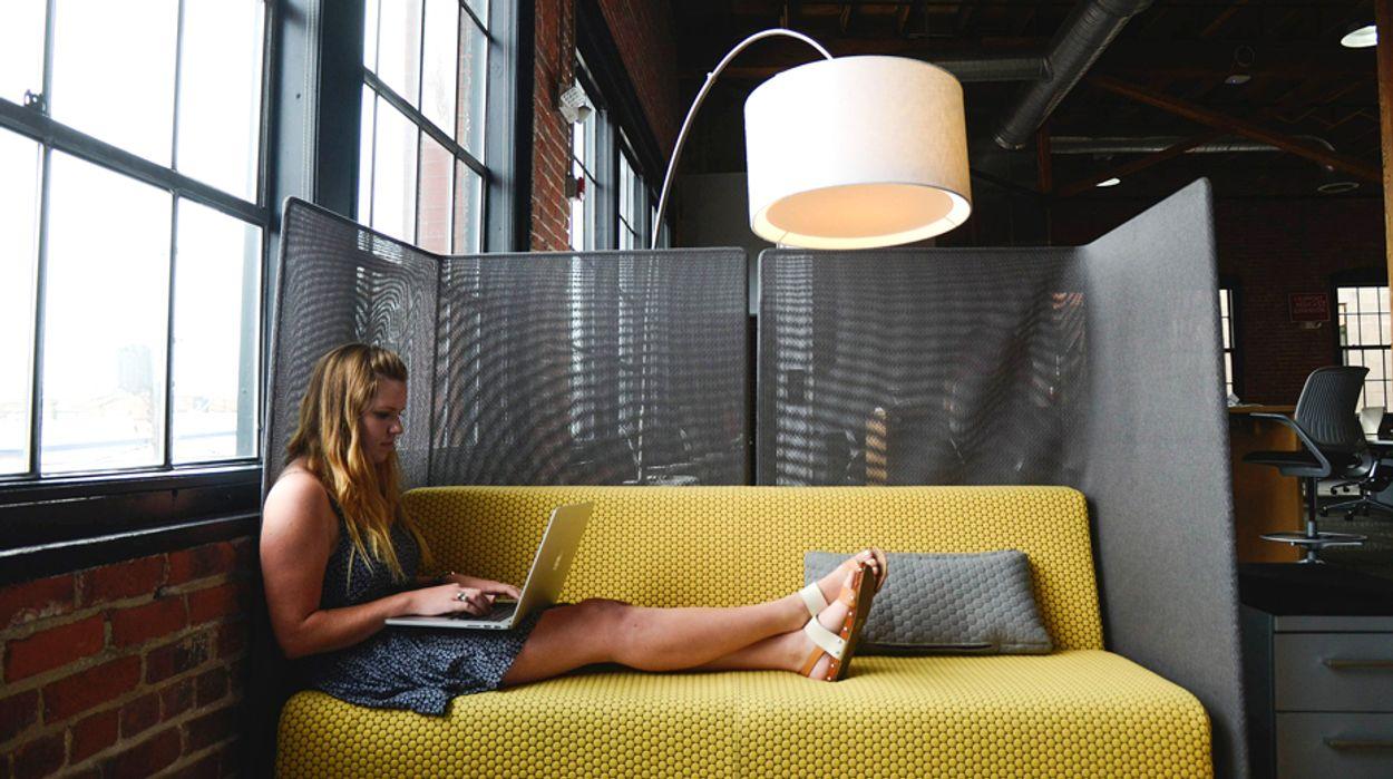 Afbeelding van Aantal jongeren met eigen webwinkel steigt explosief
