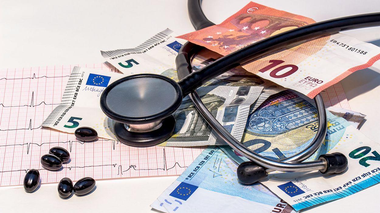 Afbeelding van Consument kan honderden euro's besparen op zorgverzekering. 5 tips!