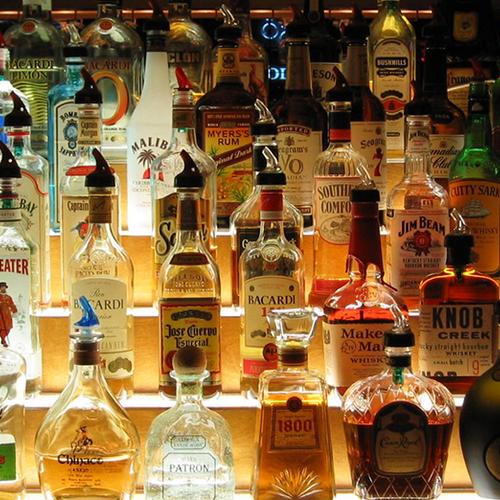Afbeelding van 'Prijs alcohol omhoog, minder verkooppunten'