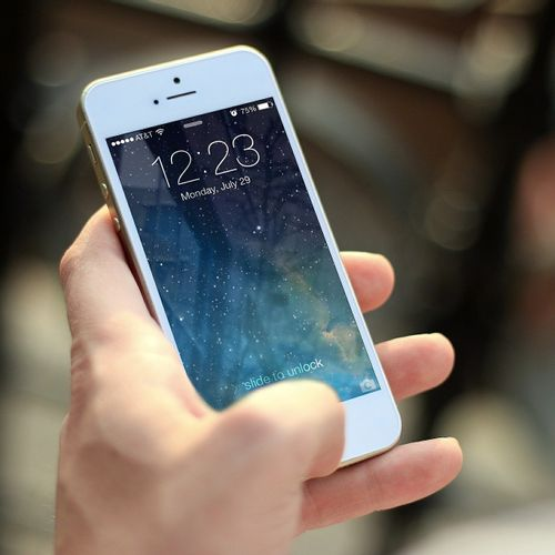 Afbeelding van Telecomaanbieders schikken in 'gratis' telefoon-zaak
