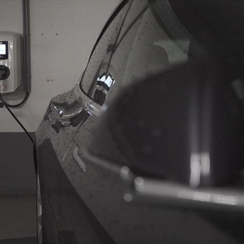 Afbeelding van Grote zorgen over ondergronds laden elektrische auto's vanwege brandgevaar