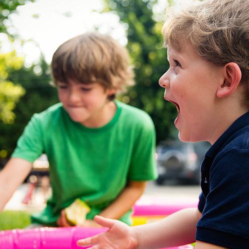 Afbeelding van Ouders van meervoudig gehandicapte kinderen zitten met dubbele kosten