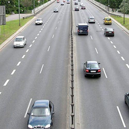 Afbeelding van Automobilisten negeren rode kruizen boven weg