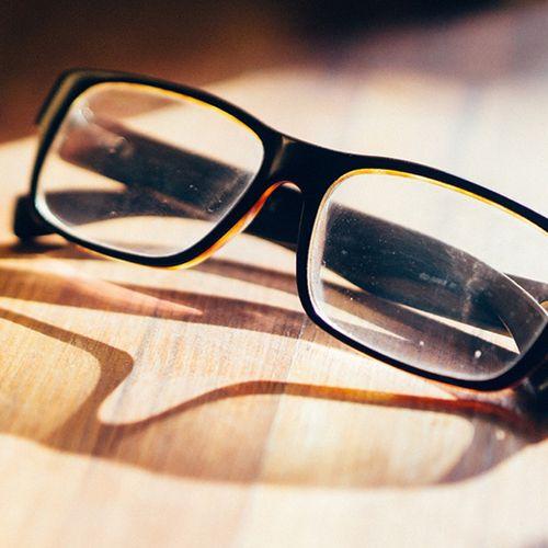 Afbeelding van Zaterdag in Kassa: Gekleurde brillenglazen verminderen dyslexie niet