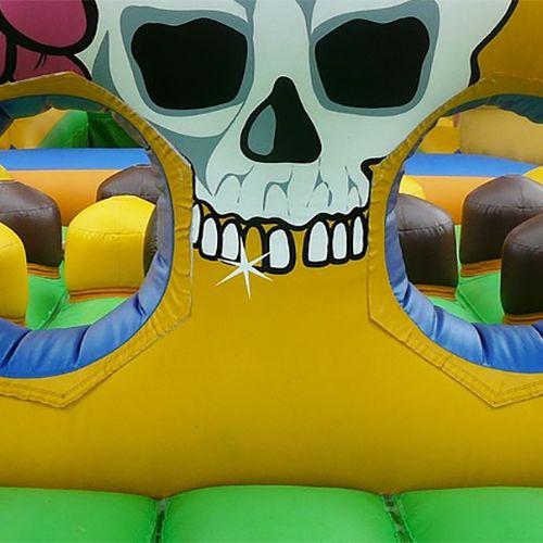 Afbeelding van Veertien meldingen over Multiplay-springkussen