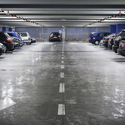 Afbeelding van Parkeergarage Almere direct dicht om scheuren