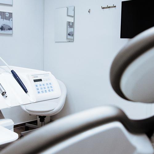 Afbeelding van VGZ gaat zelf tandheelkundige implantaten inkopen