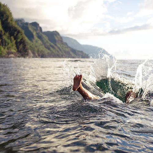 Afbeelding van Met blauwalg vervuild zwemwater sterk toegenomen