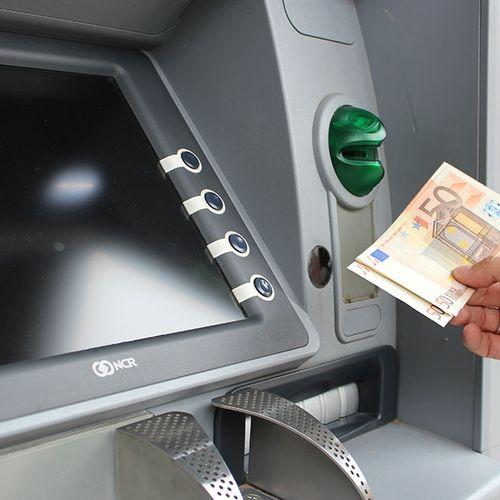 Afbeelding van Rabobank: geen geldautomaten weg om plofkraken