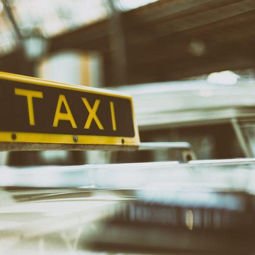 Afbeelding van Bon Bini Belbus: Richard wacht al zeven jaar op een taxivergunning